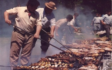 Gauchos-making-Asado-in-the-Pampa-425x266